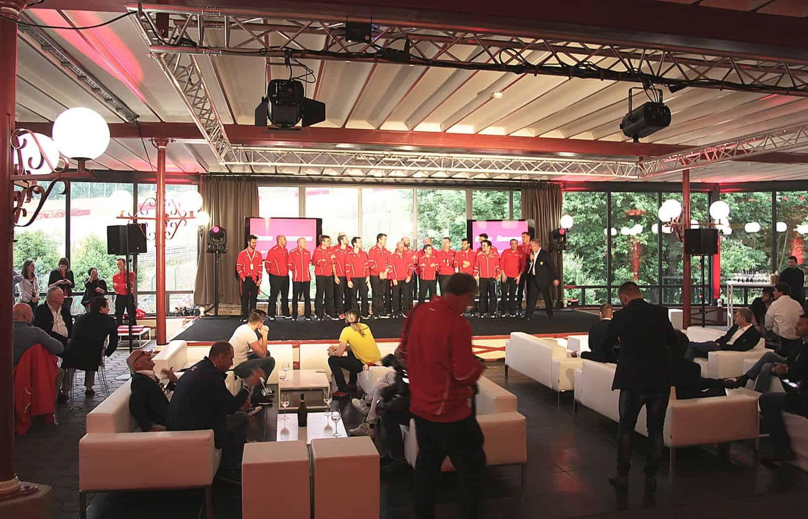 Xx programmes Ferrari organisés par So Event à l'Eau Rouge pour ses clients.